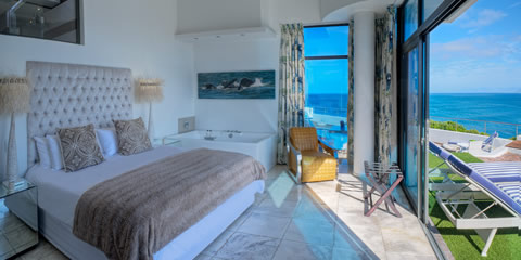 Sea-facing superior bedroom
